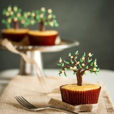 Lemon Tree Cupcakes Tutorial - how to make edible lemon tree toppers for cupcakes.