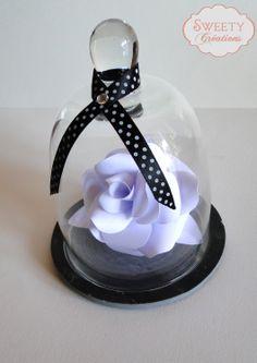rose en papier sous une cloche de verre paper rose rosepapier cloche pois paperrose polkadots. Black Bedroom Furniture Sets. Home Design Ideas