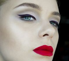 DIANA IONESCU// MAKE-UP ARTIST pin-up side down photography & make-up: diana...