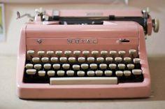 vintage keys, pink typewrit, color, accessori, vintage pink, pastel pink, old school, vintage typewriters, inspiring pictures