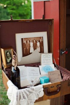 Family memories in vintage luggage galleries, memori, vintage suitcases, inspiration, families, bobbiandmikecomread, guest book, vintage luggage, bobbiandmikecom read