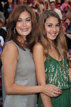 Teri Hatcher and look-alike daughter at Pirates premiere
