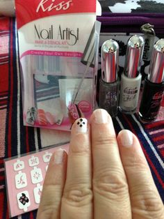 School spirit in the makeup aisle: a frugal beauty option. Link takes you to a Monroe on a Budget column for The Monroe News. #nailart #football #fashion