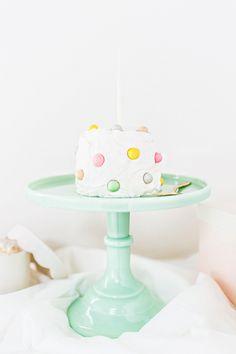 DIY pom pom cake