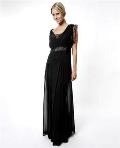 Anotah by Sillydress Lace Maxi elbise, zarafetinizi duru güzelliğinizle buluşturuyor.  Siyah abiye elbise Kollarda ve arka kısımda dantel detayı Kolsuz gece elbisesi Sırt kısmı açık Uzun abiye elbise Anotah by Sillydress abiye elbise ile tüm gözler size çevrilecek.