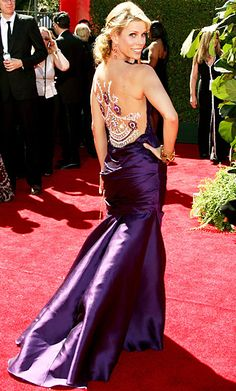 CHERYL HINES, 2006 Cheryl Hines shed her homebody Curb Your Enthusiasm character in a violet shantung gown with a stunning beaded back from Georges Chakra.