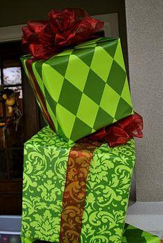 holiday, christmas parties, cakes, boxes, footprint, topiari, porch, christma parti, kid