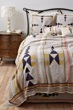bedding.. quilt, pattern, dream, arrow, duvet covers, bed linens, guest rooms, tribal prints, bedroom