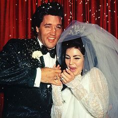 He may have been accustomed to girls throwing themselves at him, but #Elvis seemed caught off guard when he and his bride #Priscilla were showered with confetti. http://www.instyle.com/instyle/package/general/photos/0,,20352342_20521007_21001610,00.html