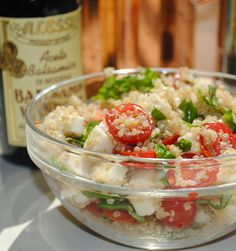Caprese Quinoa Salad--such a filling/healthy delicious lunch! @katelandis