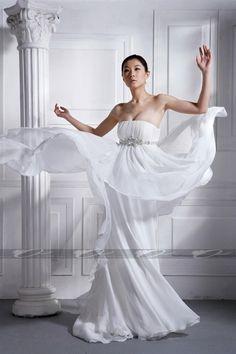 Flowly strapless chiffon bridal gown