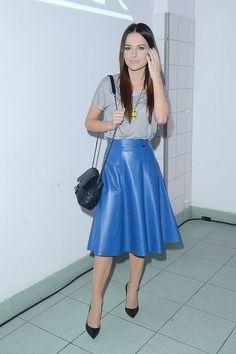 Paulina Sykut  - blue #leather #skirt, grey t-shirt, black #pointy #heels.