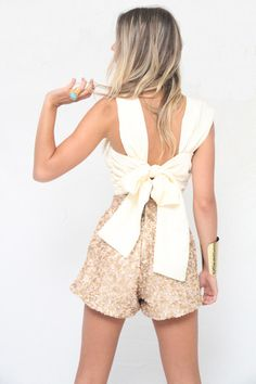 Bow top. And great shorts.