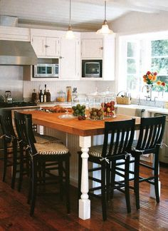 island table - not sure it would work in my kitchen, but love it!
