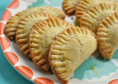 Baked Strawberry Breakfast Pockets. Get more kid-friendly recipes like this at Plum Organics Little Foodies Cookbox https://www.plumlittlefoodies.com/little_foodies/2012/05/baked-strawberry-breakfast-pockets/