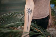 palm tree tattoo - Pesquisa Google Grootst Trends, Trees Tattoo, Palms Trees, The Gebi, Ben Jij, Palm Trees, Jij Fans, Bi Vans, Vans Tatoeage