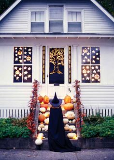 I love all the pumpkins on the steps