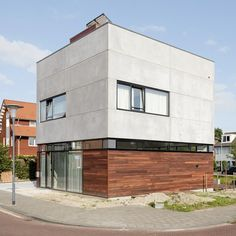 Villa Nieuw Oosteinde concrete house by Engelarchitecten