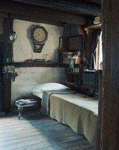 hobbit house guest room