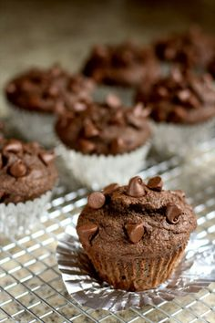 Double Fudge Muffins - these muffins are under 200 calories each and are actually pretty healthy too!  {Butter With a Side of Bread} #recipe #muffins