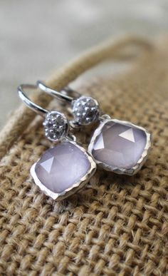 Beautiful amethyst earrings with a geometric design. love.