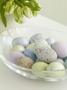 More Beautiful Easter Centerpieces from familycircle.com #easter
