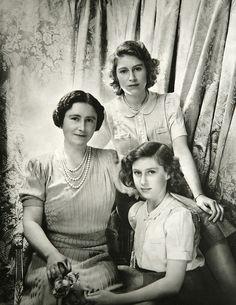 Queen Elizabeth I, the Queen Mother, with Princess Elizabeth and Princess Margaret.