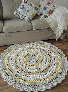 hand made crocheted rag rug ***
