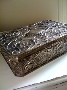 """Vintage Silverplate Jewelry Box, SN: """"treasure Chest doesn't necessarily have to be shiny to hold Great treasure"""""""