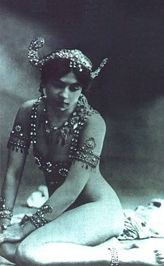 Mata Hari - Picture 3