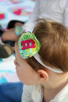 Adorable baby headband--looks easy!
