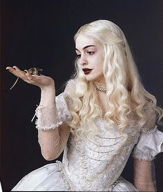 The White Queen - possible Halloween costume?