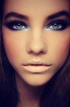 Bold dark eyes for those blues. dark eyes, eyeshadow, blue eye makeup, dramatic eyes, lip colors, brow, beauti, makeup looks, eyemakeup