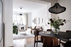 Stylish home in beige and brown - COCO LAPINE DESIGNCOCO LAPINE DESIGN