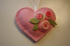 Felt Heart. Valentines Days Ideas #Valentines, https://apps.facebook.com/yangutu