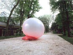 Giant bubble.gum bubble