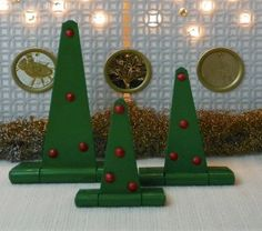 Coming Unhinged Christmas Trees | FaveCrafts.com