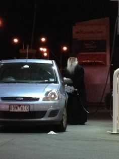 I was out yesterday and I saw Dumbledore just casually getting gas EXPECTO PETROLEUM