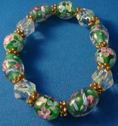 Green Flower Glass Beads Bracelet by Ravenmood on Etsy, $12.00
