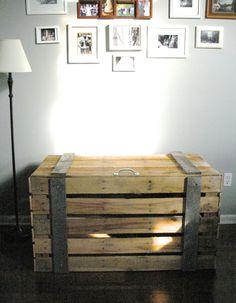 project, craft, idea, storag trunk, bathrooms decor, repurpos pallet, trunks, bathroom decor, pallets for storage
