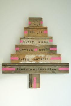 diy christmas tree   http://www.woodwoolstool.com/
