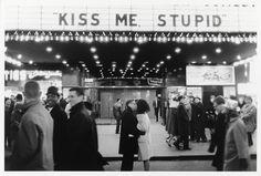 a kiss, joel meyerowitz, old movies, joelmeyerowitz, stupid, new york city, new years eve, black, kisses