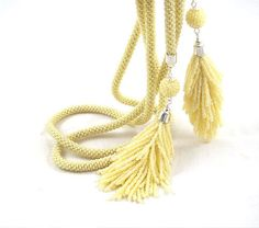 yellow bead, necklac lariat, rope necklac, bead lariat, tassel, seed beads, bead crochet, beaded crochet rope