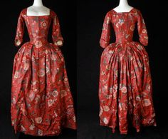 Robe à l'Anglaise, 1780-1785, Rotterdam. Red Floral cotton chintz, with vines, large flowers in white, light red, blue, yellow, purple and green. Front and rear views.  Museum Rotterdam. http://collectie.museumrotterdam.nl/objecten/20647
