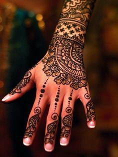 henna mehndi3 Beautiful Mehndi Designs
