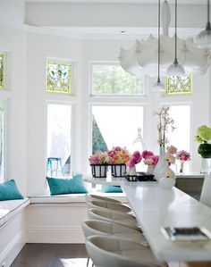 bay window with a window seat