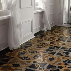 Dramatic Floor