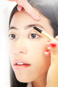 How to: Eyebrow Shaping by ELLE.com