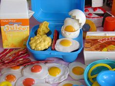 I had that same exact egg and bacon set.  I loved fisher-price play food.  I wish they still made play food like that now.  Now its just cheap stuff