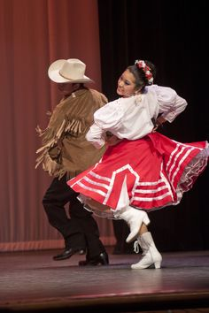 ballet folklorico/ nuevo leon always loved the red